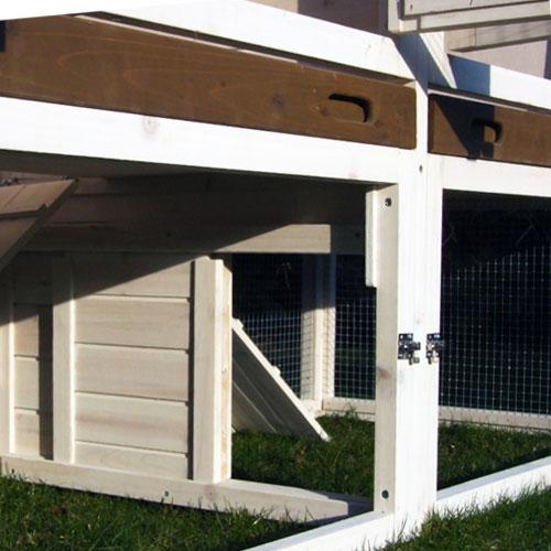 Konijnenhok Chalet XL - Solide houten schuifdeurtje kan eventueel open om de konijnen samen te laten spelen